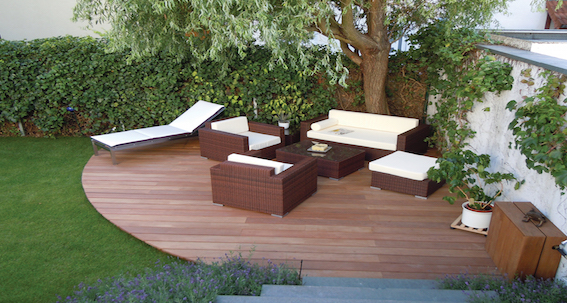 lames de terrasse en bois exotique naturel. Black Bedroom Furniture Sets. Home Design Ideas